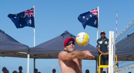 Julien Prosser bump sets in the 2010 NSW Open on Manly Beach - photo courtessy of Justin Kern - JFK Audio Visual